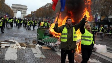 Photo of فرانس میں یلو جیکٹ تحریک کے حامیوں کا مظاہرہ