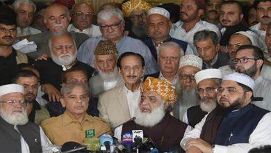 Photo of پاکستان میں حکومت گرانے کی کوششں