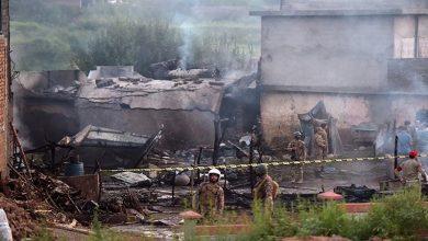 Photo of پاکستان آرمی کا تربیتی طیارہ گرکر تباہ 17 ہلاک 12 زخمی