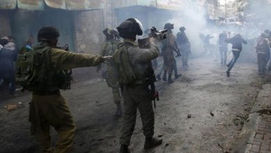 Photo of غرب اردن میں فلسطینی مظاہرین پر صیہونی فوجیوں کا حملہ
