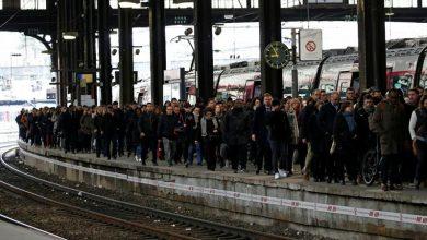 Photo of فرانس میں ٹرانسپورٹ کی ہڑتال تیسرے ہفتے میں داخل