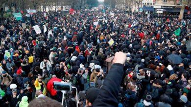 Photo of فرانس میں صدر کی پالیسی کے خلاف ہزاروں افراد کی ریلی