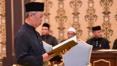 Photo of ملائیشیا کے نئے وزیراعظم نے حلف اٹھایا