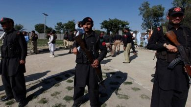 Photo of کراچی میں رینجرز نے کالعدم تنظیم کے 3 دہشت گردوں کو گرفتار کرلیا