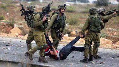 Photo of غرب اردن میں صیہونی فوجیوں کے ہاتھوں فلسطینیوں کی گرفتاری