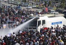Photo of میانمار میں احتجاجی مظاہرین پر پولیس کی فائرنگ سے اب تک 10 افراد ہلاک